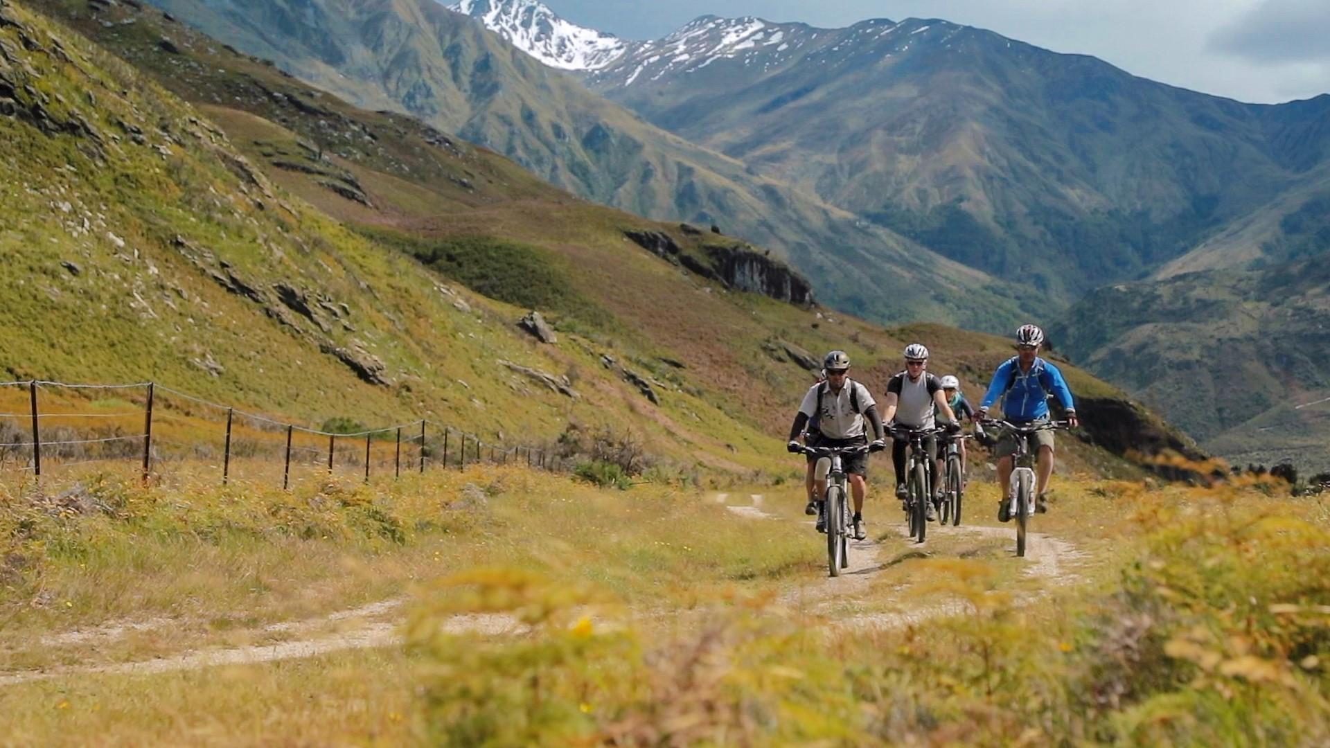 Boat + Bike Tour | Guided Tours | Wanaka Bike Tours